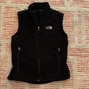 Woman's THE NORTH FACE black Vest size SMALL